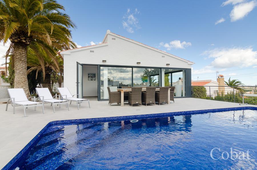 Villa For Sale in Calpe - Photo 1